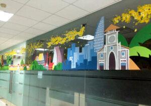 Vẽ tranh kính trang trí tết hoa đào hoa mai văn phòng htv