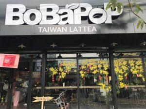 Vẽ tranh kính trang trí tết hoa mai trà sữa Bobapop